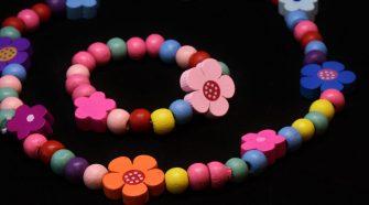 Comment choisir des bijoux pour enfants?