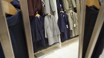 des vêtements